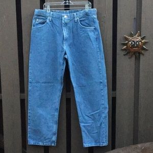 🌲List New Wrangler Relaxed Fit Denims 38 x 30